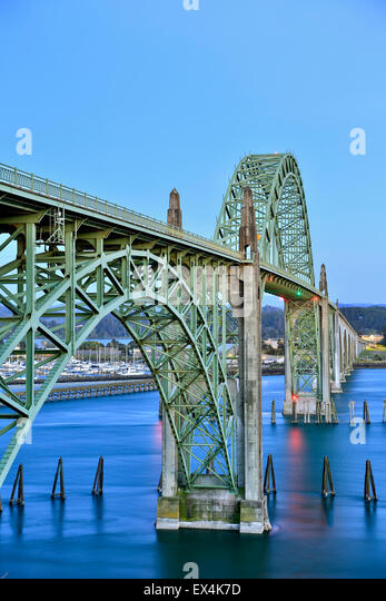 Yaquina Bay Bridge, Newport, Oregon USA - Stock Image