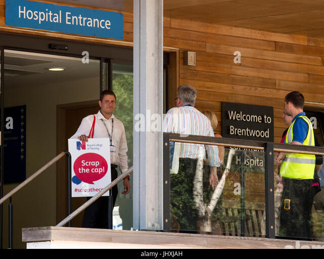 Brentwood, UK.17th July 2017. RCN Officesr arrive at Brentwood Community Hospital to raise support at hospital for - Stock Image