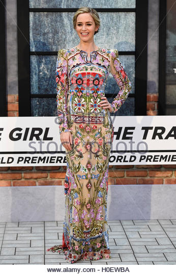 Emily Blunt poses as she arrives at the World premiere of 'The Girl on the Train' at Leicester Square in - Stock-Bilder