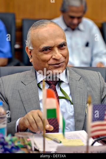 Indian Defense Secretary Radha Krishna Mathur during a meeting with US Deputy Secretary of Defense Ashton B. Carter - Stock Image