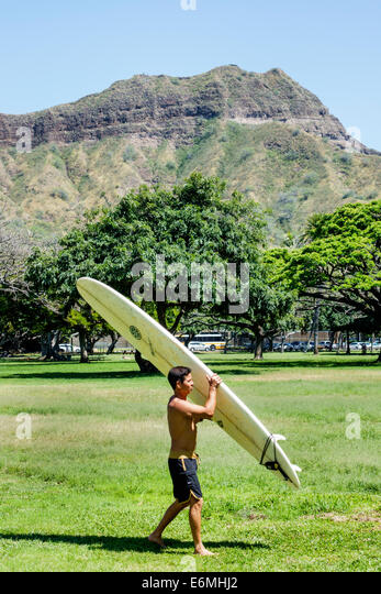 Hawaii Hawaiian Honolulu Waikiki Beach Kapiolani Regional Park view Diamond Head Crater extinct volcano mountain - Stock Image