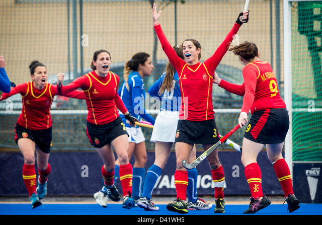 01.03.2013 Valencia, Spain. Spanish Players celebrate the equalizer goal achieved by Rocio Ybarra (2nd R) during - Stock-Bilder