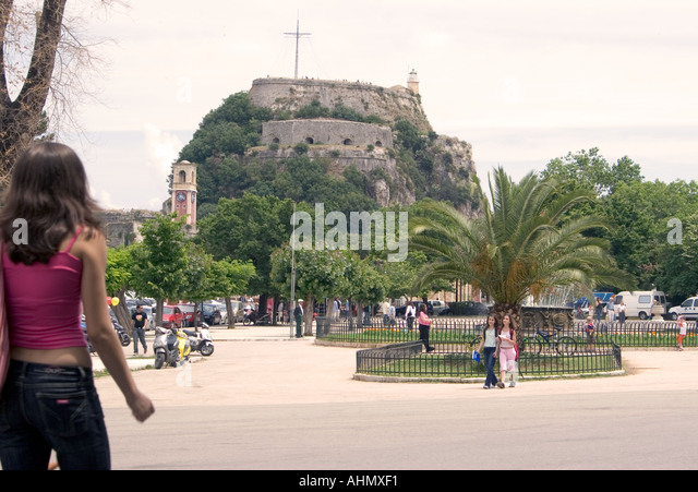 Spianada and Old Fortress, Kerkyra, Corfu, Greece, Europe, person people man woman child costume walk walking stroll - Stock Image