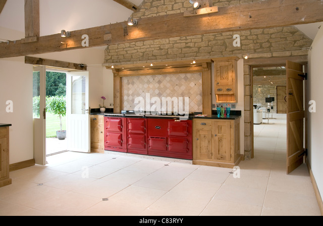 Aga red aga stock photos aga red aga stock images alamy for Red fitted kitchen
