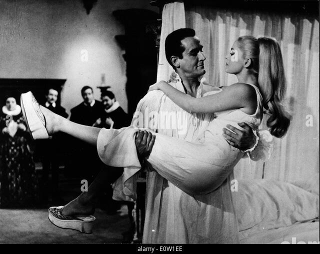 Actors Virna Lisi and Vittorio Gasmann co-star - Stock Image