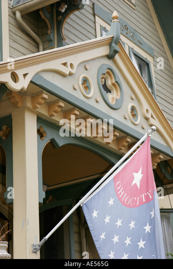 Cleveland Ohio, Ohio City, historic neighborhood, Victorian style house, flag, - Stock Image