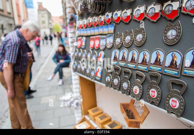 souvenir shopping warsaw poland tourist travel - Stock-Bilder