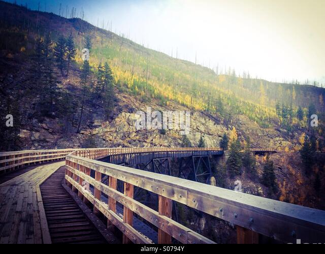 Myra Canyon trellises in the Okanagan Valley on a late fall day. Once used for railways, now it's a popular - Stock-Bilder