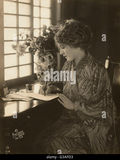 pickford dating Mary pickford was born gladys louise smith in 1892 (although she.