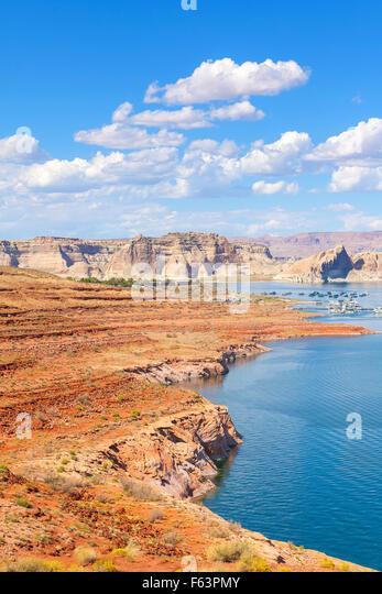 Powell Lake and marina in Glen Canyon National Recreation Area, USA. - Stock-Bilder