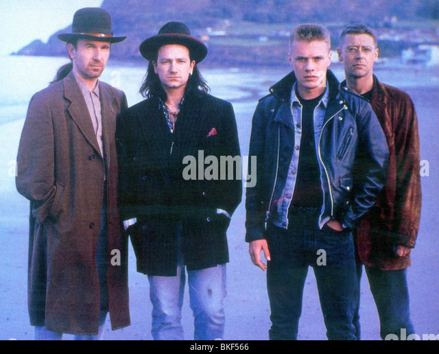 U2 : RATTLE AND HUM (1988) THE EDGE, BONO, LARRY MULLEN JR, ADAM CLAYTON U2R 004FOH - Stock Image