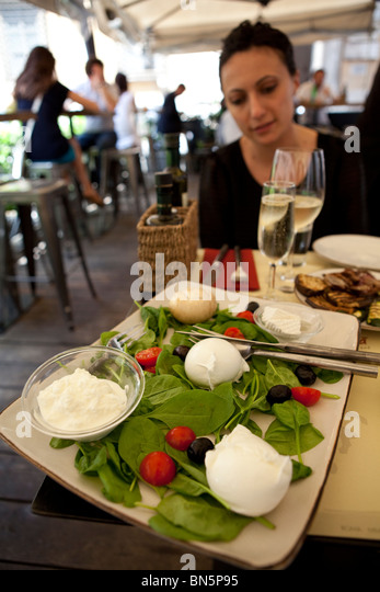 Vacitcan stock photos vacitcan stock images alamy for Restaurant italien 95