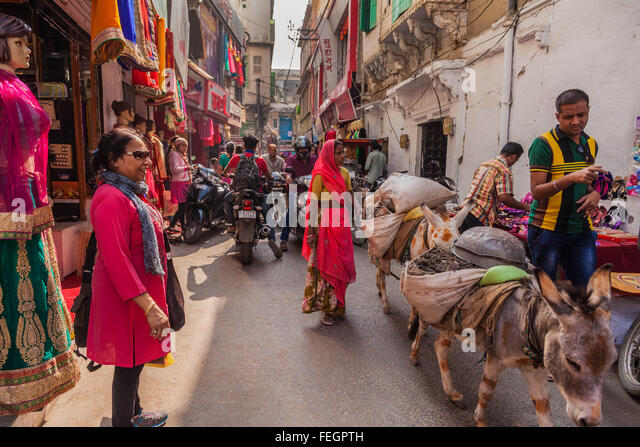 A congested street in Kanpur, India - Stock Image