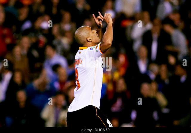Valencia, Spain. 10th Nov, 2013. Midfielder Sofiane Feghouli of Valencia CF scores the equalizer goal for Valencia - Stock-Bilder