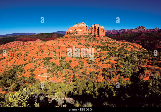 USA, Arizona, Yavapai County, Sedona, Cathedral Rock viewed from Hiline Trail Vista east side - Stock Image