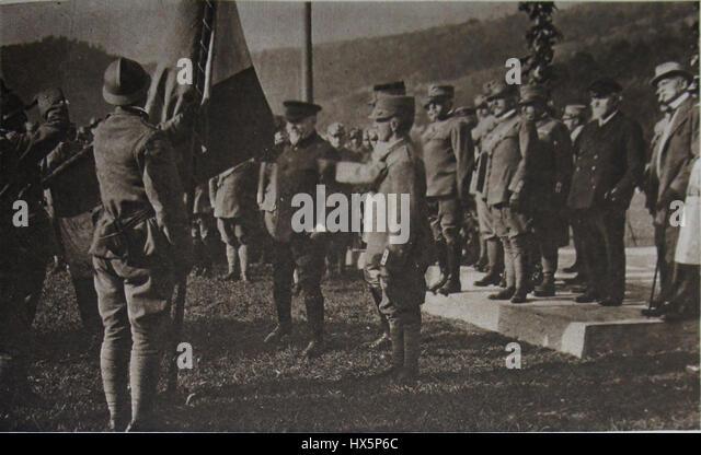 M 197 13 drapeau brig Abbruzzi PoincarC3A9 roi Porro Cadorna Bourgeois Sonnino - Stock Image