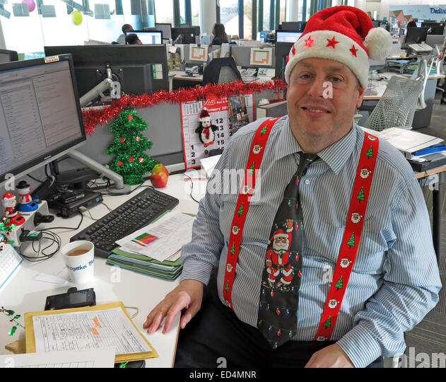 How to get festive in the office for Christmas - Stock Image