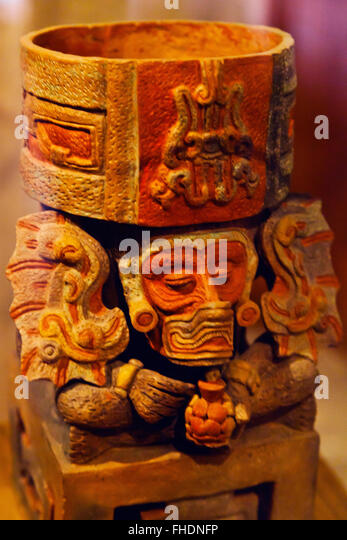 ZAPOTEC FIGURES taken from tombs in the CULTURAL MUSEUM OF OAXACA or Museo de las Culturas de Oaxaca - MEXICO - Stock Image