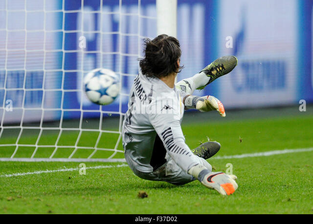 Moenchengladbach, Germany. 30th Sep, 2015. UEFA Champions League, 2015/16, prliminary round, 2nd matchday, Borussia - Stock-Bilder