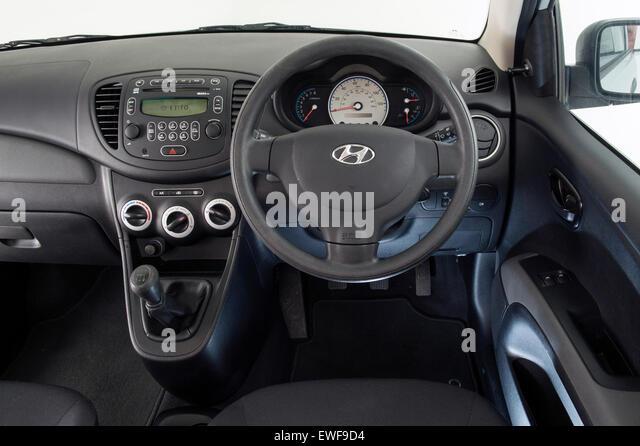 Hyundai I Ewf D on 2000 Hyundai Elantra Black Seats