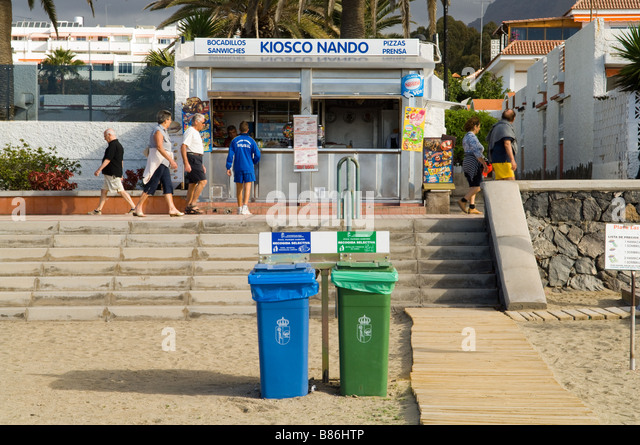 Kiosco stock photos kiosco stock images alamy for Kiosco bar prefabricado