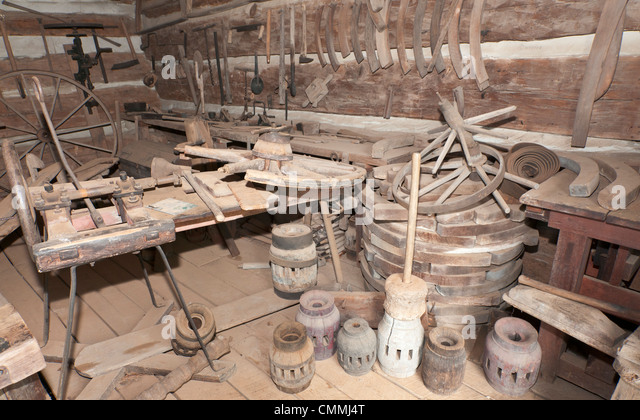 Tennessee, Norris, Museum of Appalachia, wheelwright shop. - Stock Image