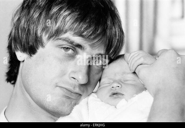 Mike Oldfield - Family Man