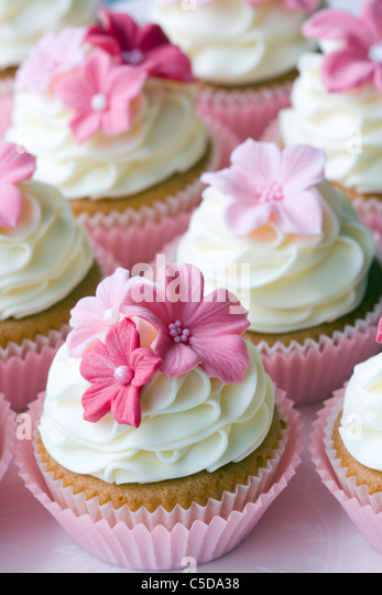 Wedding cupcakes - Stock Image