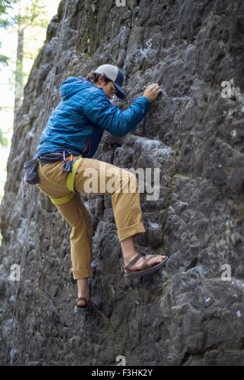 Man rock climbing, French's Dome, Zig Zag, Oregon, USA - Stock Image