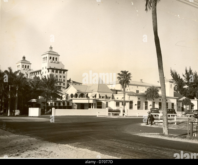 Bradley's Beach Club, Palm Beach, ca 1940.Photo by Bert Morgan. - Stock Image