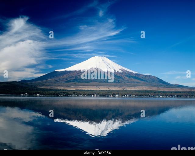 Japan Mt Fuji and Lake Yammanaka - Stock Image