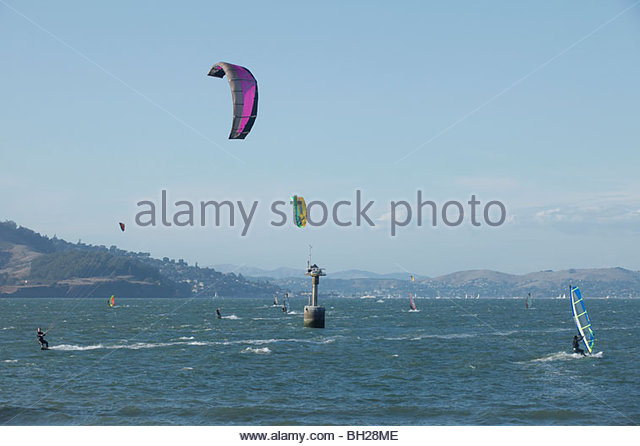 Kiteboarding and wind surfing San Francisco Bay - Stock Image