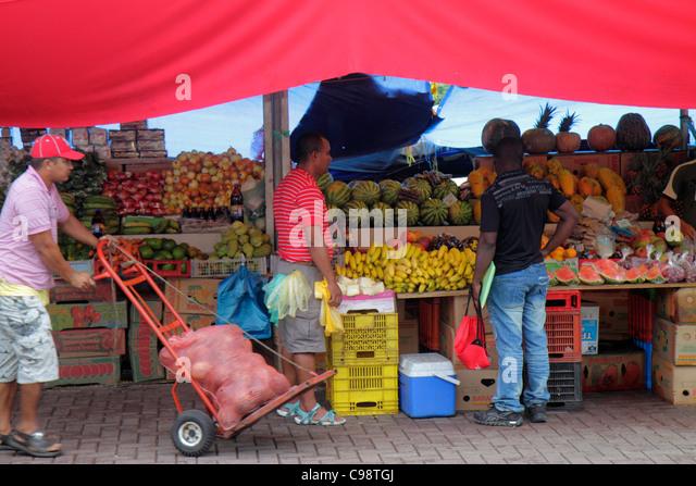 Curaçao Netherlands Antilles Dutch Willemstad Punda Sha Caprileskade Floating Market produce vendor shopping - Stock Image