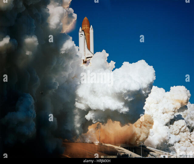 Space Shuttle Challenger Stock Photos & Space Shuttle ...