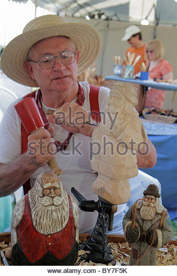 Pennsylvania Kutztown Kutztown Folk Festival Pennsylvania Dutch folklife arts and crafts wood carving figurine tradition - Stock Image