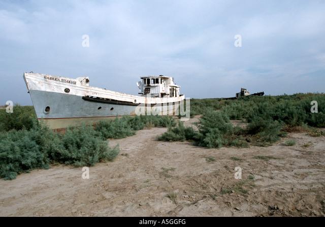 Aral sea catastrophe fishing ship, Uzbekistan, Karalkapakstan, Aralkum - Stock Image