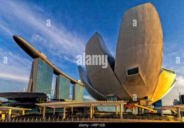 Marina Bay Sands Hotel, ArtScience Museum, blue sky, veil clouds, Singapore, Asia, SingaporeMarina Bay Sands Hotel - Stock Image