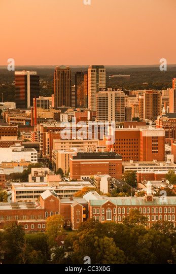 USA, Alabama, Birmingham, high angle view from Vulcan Park, dusk - Stock-Bilder