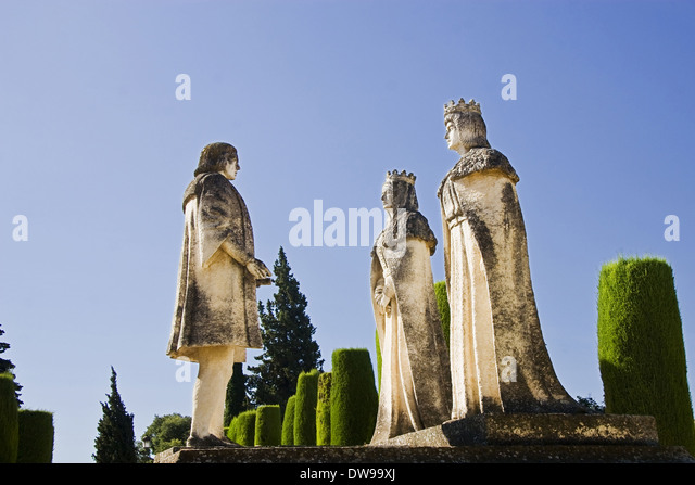 Catholics kings and Cristobal Colon statue, Alcazar gardens, Cordoba - Stock-Bilder