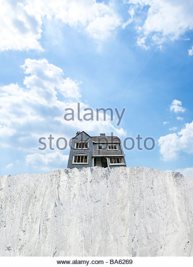 House at edge of cliff - Stock Image