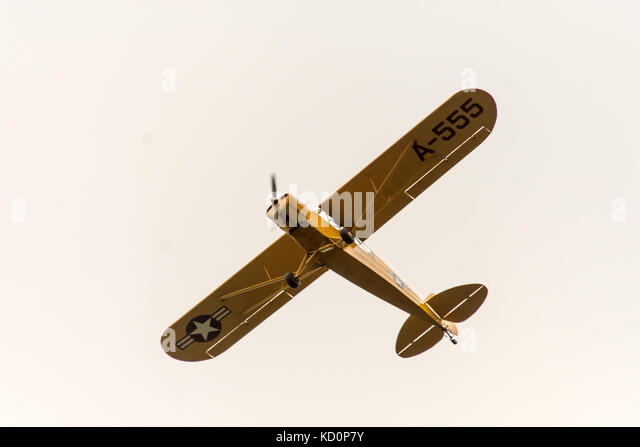 Melton Mowbray, UK. 8th October, 2017. Grey day with low clouds as WW2 USA classic plane flys over, bull dog and - Stock Image