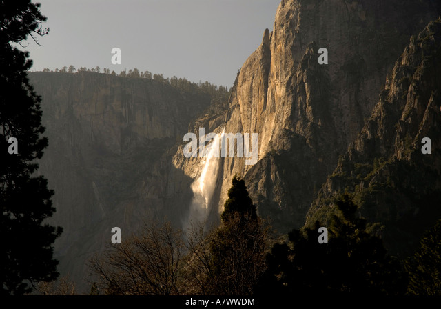 Yosemite Falls waterfall flowing dramatic - Stock Image