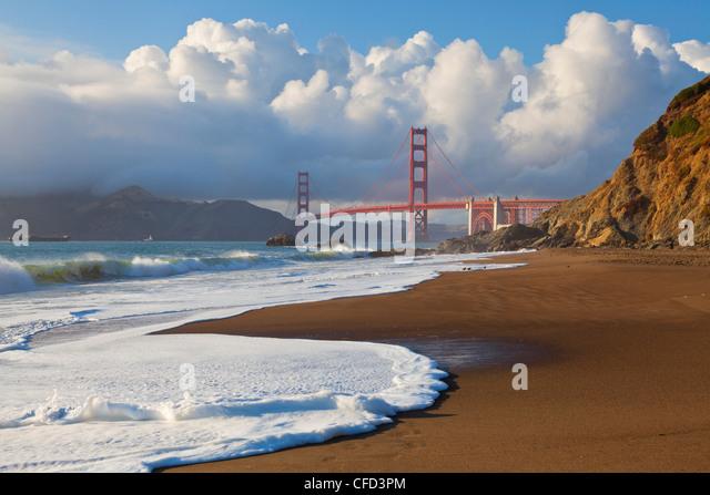 The Golden Gate Bridge, linking the city of San Francisco with Marin County, San Francisco, California, USA - Stock Image