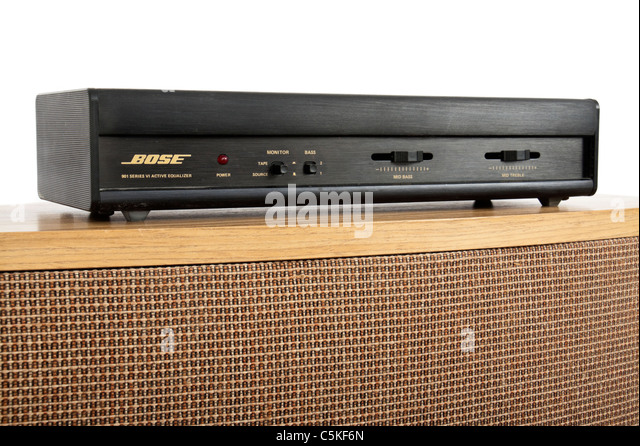 Bose 901 Series VI direct / reflecting speaker from 1987 with matching Active Equalizer on top - Stock-Bilder