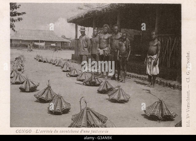 Congo - Africa - Arrival of India Rubber, transported in specially-designed wicker carriers. In the early 1900s, - Stock-Bilder