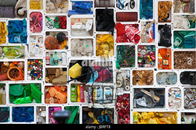 Biarritz, France. 11th June, 2017. Camouflage artist Liu Bolin at the Surfrider Foundation in Biarritz, blended - Stock-Bilder