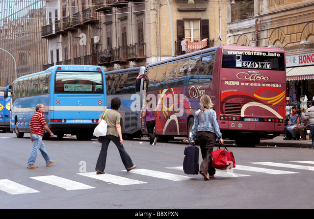 Via Paolo Balsamo Main Intercity Bus Stop Palermo Sicily - Stock-Bilder