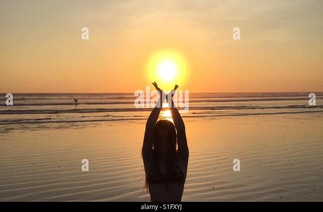 Sunset Beach Yoga - Eco Vacation Costa Rica - Stock-Bilder