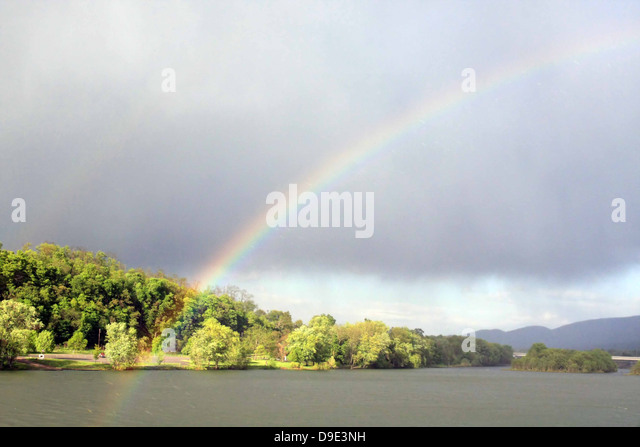 RAINBOW OVER MOUNTAINSIDE AND SUSQUEHANNA RIVER, LOCK HAVEN, CLINTON COUNTY, PENNSYLVANIA, USA - Stock Image
