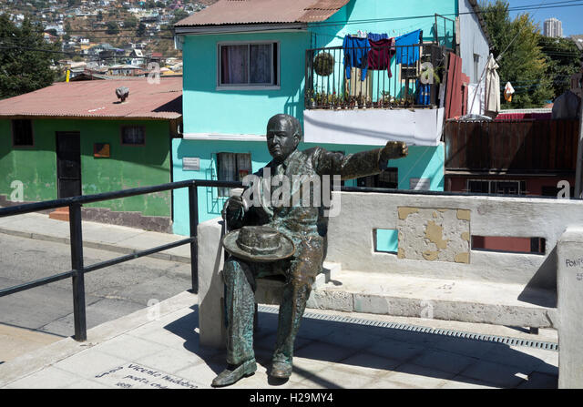 Vicente Huidobro sculpture (Chilean poet,1893-1948). Valparaiso. Chile - Stock Image